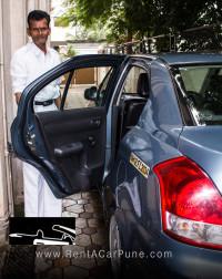 Swift_door_chauffeur